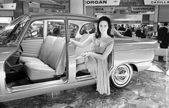 1965: Model and actress Gina Warwick sitting in a Humber Sceptre at the 1965 motor show at Earl's Court