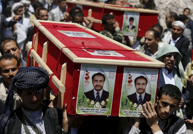 Houthi followers carry coffins of Houthi fighters during their funeral in Sanaa May 15, 2015. (Photo by Khaled Abdullah/Reuters)