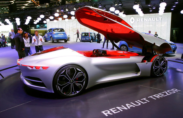 A Renault Trezor concept car is seen during the 87th International Motor Show at Palexpo in Geneva, Switzerland March 7, 2017. (Photo by Arnd Wiegmann/Reuters)