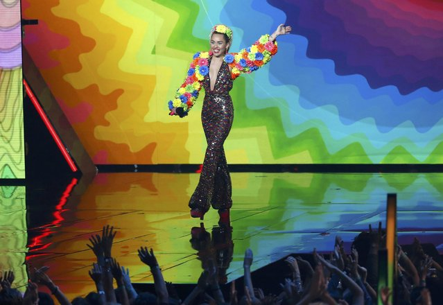 Show host Miley Cyrus takes the stage at the 2015 MTV Video Music Awards in Los Angeles, California August 30, 2015. (Photo by Mario Anzuoni/Reuters)