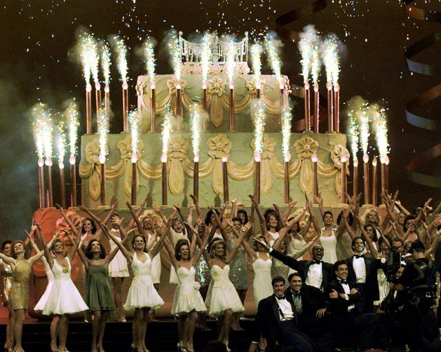 The Miss America contestants perform the 75th Anniversary production number on stage at the Atlantic City Convention Hall Saturday, September 16, 1995. (Photo by Charles Rex Arbogast/AP Photo)