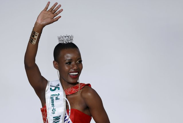 Eunice Onyango representing Kenya waves to the audience after awarded second runner-up of Miss International 2015 during the 55th Miss International Beauty Pageant in Tokyo, Japan, November 5, 2015. (Photo by Toru Hanai/Reuters)