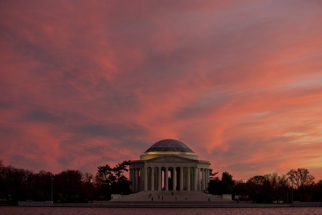 The Jefferson Memorial is seen at sunset, Sunday, November 22, 2015 in Washington. (Photo by Alex Brandon/AP Photo)