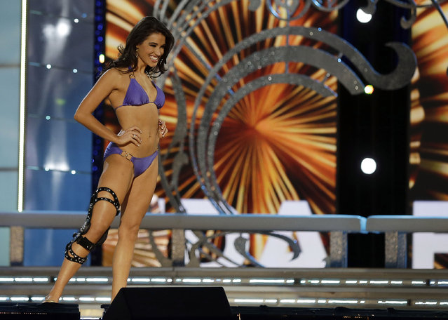 Miss Florida Myrrhanda Jones wears a swimsuit during the lifestyle competition during the Miss America 2014 pageant, Sunday, September 15, 2013, in Atlantic City, N.J. (Photo by Mel Evans/AP Photo)