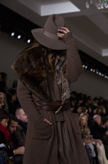 A model presents a creation from the Ralph Lauren Fall/Winter 2015 collection during New York Fashion Week February 19, 2015. (Photo by Eric Thayer/Reuters)
