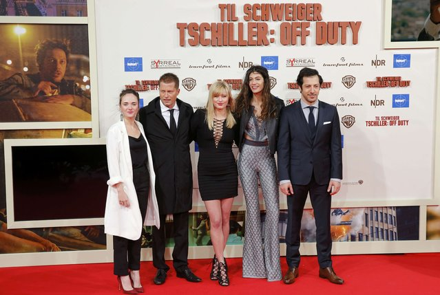 """German actor Til Schweiger (2nd L) poses on the red carpet with other actors before the world cinema premier of the German police procedural TV series """"Tatort"""" with the title """"Tschiller: Off Duty"""" (""""Nick: Off Duty"""") starring Til Schweiger in Berlin, Germany February 3, 2016. (Photo by Fabrizio Bensch/Reuters)"""