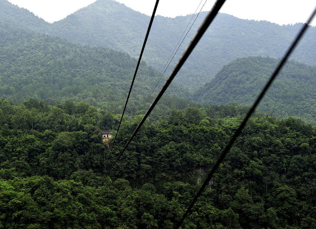 Chinese Villagers Zip Line