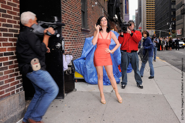 Singer Katy Perry visits Late Show With David Letterman at the Ed Sullivan Theater on August 24, 2010 in New York City