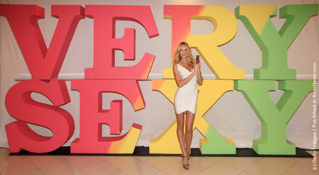 Candice Swanepoel attends the Victoria's Secret Very s*xy Tour Stop in Dallas at Victoria's Secret Beauty at the NorthPark Mall