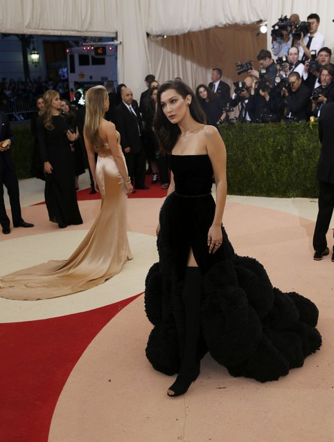"""Model Bella Hadid arrives at the Metropolitan Museum of Art Costume Institute Gala (Met Gala) to celebrate the opening of """"Manus x Machina: Fashion in an Age of Technology"""" in the Manhattan borough of New York, May 2, 2016. (Photo by Eduardo Munoz/Reuters)"""