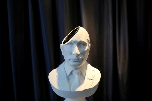 A Sound Of Power speaker in the shape of a bust of Russian President Vladimir Putin is displayed at the CES (Consumer Electronics Show) Asia 2016 in Shanghai, China May 13, 2016. (Photo by Aly Song/Reuters)