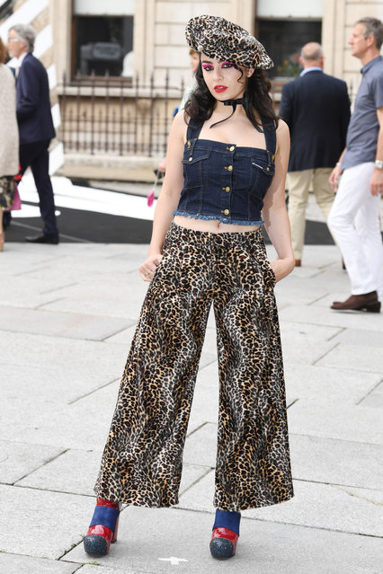 Charli XCX arrives for the VIP preview of the Royal Academy of Arts Summer Exhibition 2016  at Royal Academy of Arts on June 7, 2016 in London, England. (Photo by Jeff Spicer/Getty Images)