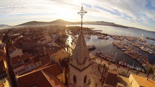 Second prize. View of the coast, Sanary sur mer, France. Made with a GoPro Hero 3 Black Edition. (Photo by Jams69)
