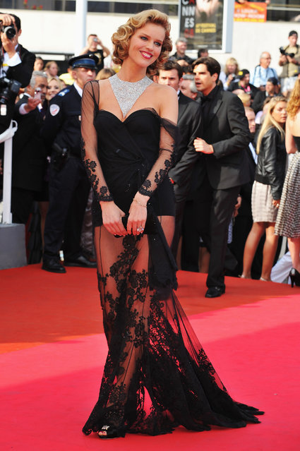 "Model Eva Herzigova arrives at the  ""Che"" Premiere at the Palais des Festivals during the 61st International Cannes Film Festival on May 21, 2008 in Cannes, France. (Photo by Pascal Le Segretain)"