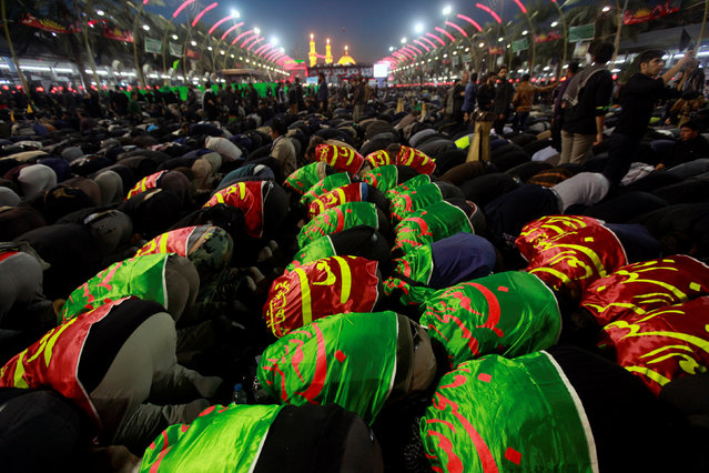 Shi'ite Muslim pilgrims gather as they commemorate the Arbaeen, in Kerbala, southwest of Baghdad, Iraq, November 20, 2016. (Photo by Alaa Al-Marjani/Reuters)
