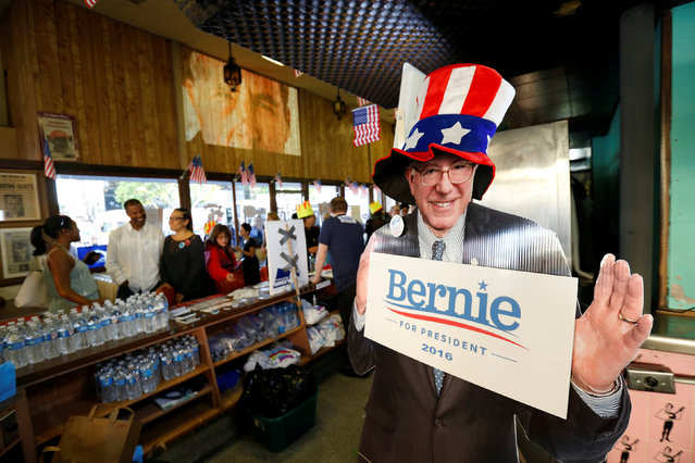 A cardboard depicting Democratic U.S. presidential candidate Bernie Sanders inside Johnie's Coffee Shop, which has been closed since 2000, during a one night only re-opening for a rally in favor of Democratic U.S. presidential candidate Bernie Sanders in Los Angeles, U.S., May 26, 2016. (Photo by Mario Anzuoni/Reuters)