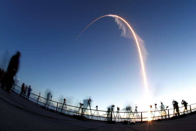 The Boeing CST-100 Starliner spacecraft, atop an ULA Atlas V rocket, lifts off on an uncrewed Orbital Flight Test to the International Space Station from launch complex 40 at the Cape Canaveral Air Force Station in Cape Canaveral, Florida December 20, 2019. (Photo by Joe Skipper/Reuters)