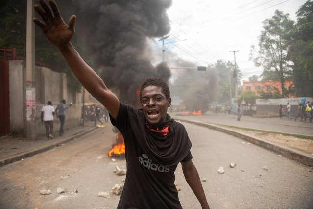 Hundreds of people demonstrated to denounce the violence and insecurity that has prevailed in Haiti for some time, marked in particular by a significant increase in kidnapping cases, in Port-au-Prince, Haiti, 10 December 2020. (Photo by  Jean Marc Herve Abelard/EPA/EFE)
