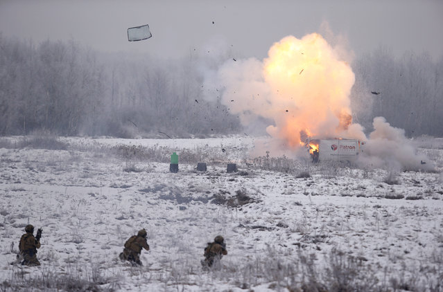 Soldiers from JWK special forces unit take part in tactics presentation for future territorial defence at military range in Zielonka near Warsaw, Poland December 7, 2016. (Photo by Kacper Pempel/Reuters)