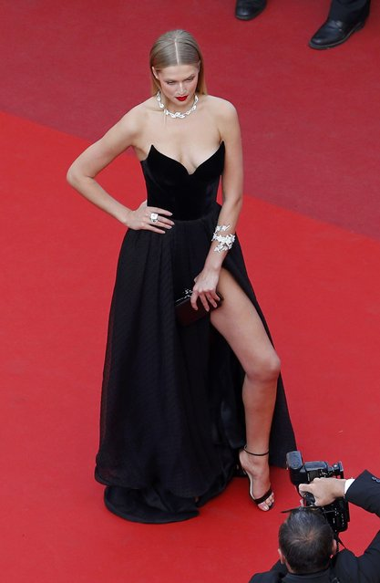 """Model Toni Garrn poses on the red carpet as she arrives for the screening of film """"Loving"""" in competition at the 69th Cannes Film Festival in Cannes, France, May 16, 2016. (Photo by Yves Herman/Reuters)"""
