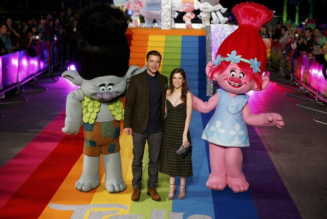 Justin Timberlake and Anna Kendrick attend a photocall to promote the film Trolls at the London Eye, in London, Britain, September 29, 2016. (Photo by Peter Nicholls/Reuters)