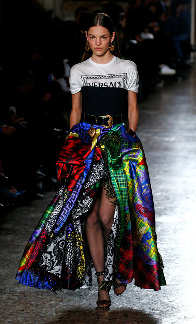 A model presents a creation from the Versace Autumn/Winter 2018 women collection during Milan Fashion Week in Milan, Italy February 23, 2018. (Photo by Tony Gentile/Reuters)