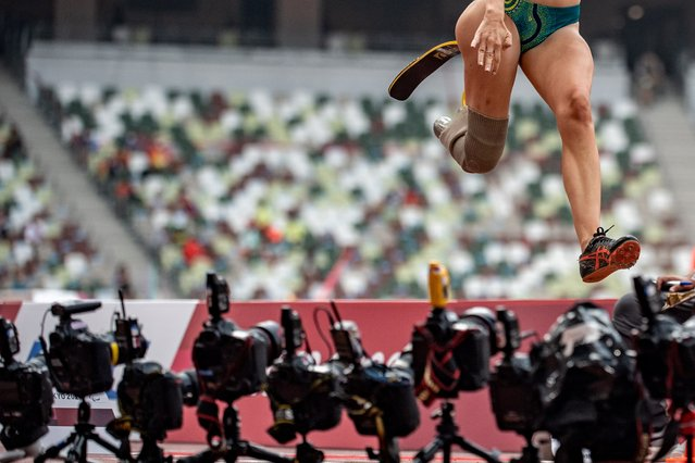 Australia's Sarah Walsh competes in the women's long jump - T64 finals of the Tokyo 2020 Paralympic Games at the Olympic Stadium in Tokyo on August 28, 2021. (Photo by Philip Fong/AFP Photo)