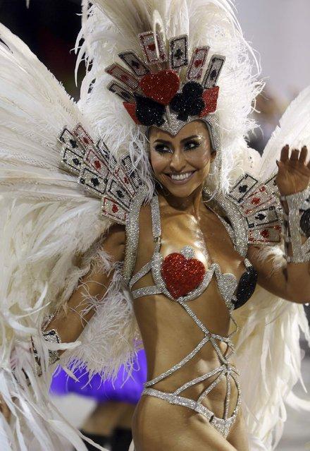Brazilian model Sabrina Sato parades for Gavioes da Fiel Samba School during the carnival parade at Anhembi Sambadrome in Sao Paulo February 15, 2015. (Photo by Paulo Whitaker/Reuters)