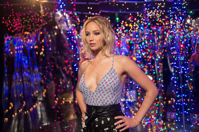"Actress Jennifer Lawrence attends photo call for Columbia Pictures' ""Passengers"" at Four Seasons Hotel Los Angeles at Beverly Hills on December 9, 2016 in Los Angeles, California. (Photo by Emma McIntyre/Getty Images)"