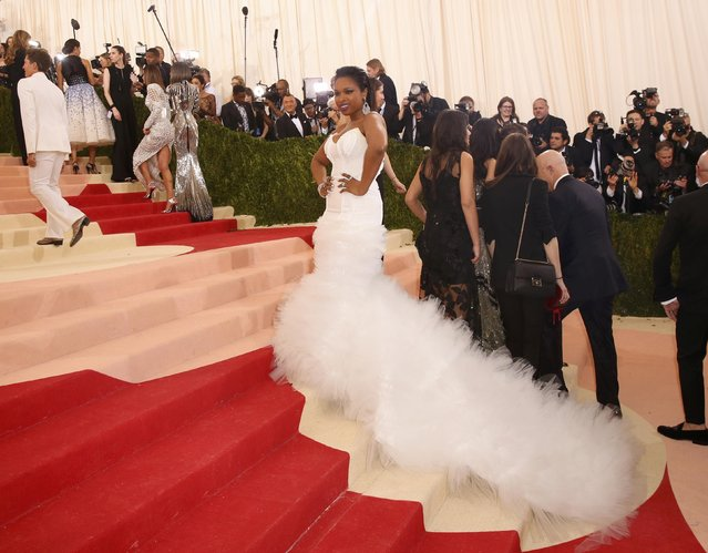 """Actress Jennifer Hudson arrives at the Metropolitan Museum of Art Costume Institute Gala (Met Gala) to celebrate the opening of """"Manus x Machina: Fashion in an Age of Technology"""" in the Manhattan borough of New York, May 2, 2016. (Photo by Lucas Jackson/Reuters)"""