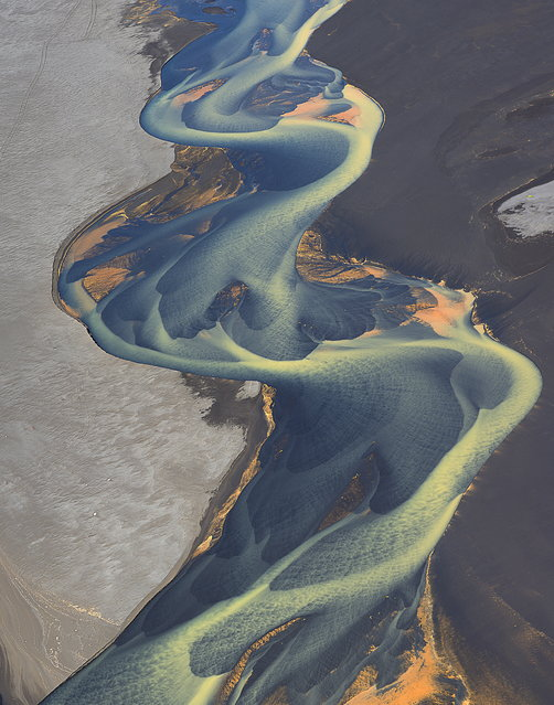 These pictures look like an artist has painted abstract patterns on canvas – but in fact they are natural rivers captured on camera. The spectacular rivers in Iceland's central highlands and southern parts originate from glaciers, which is why the water is a milky colour. (Photo by Andrey Ermolaev/Solent News)