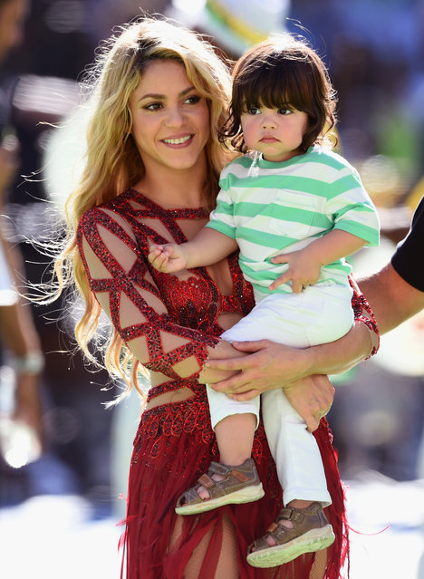 Singer Shakira and son Milan Pique look on during the closing ceremony prior to the 2014 FIFA World Cup Brazil Final match between Germany and Argentina at Maracana on July 13, 2014 in Rio de Janeiro, Brazil.  (Photo by Matthias Hangst/Getty Images)