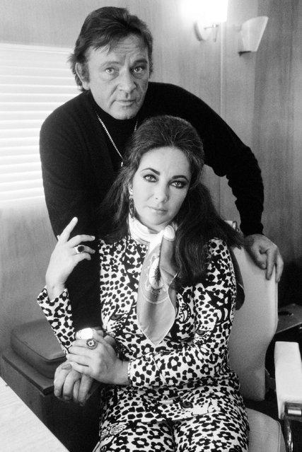 Richard Burton & Liz Taylor. (Photo by Terry O'Neill)