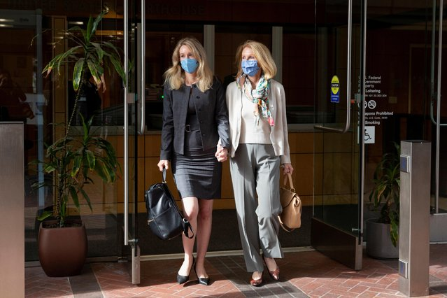 Theranos founder Elizabeth Holmes leaves the Robert F. Peckham U.S. Courthouse with her mother Noel Holmes during her trial, in San Jose, California, U.S., October 6, 2021. (Photo by Brittany Hosea-Small/Reuters)