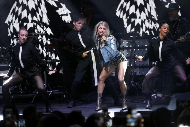 Singer Fergie performs at the 2017 Tommy Hilfiger Runway Show in Venice, California, U.S., February 8, 2017. (Photo by Mario Anzuoni/Reuters)