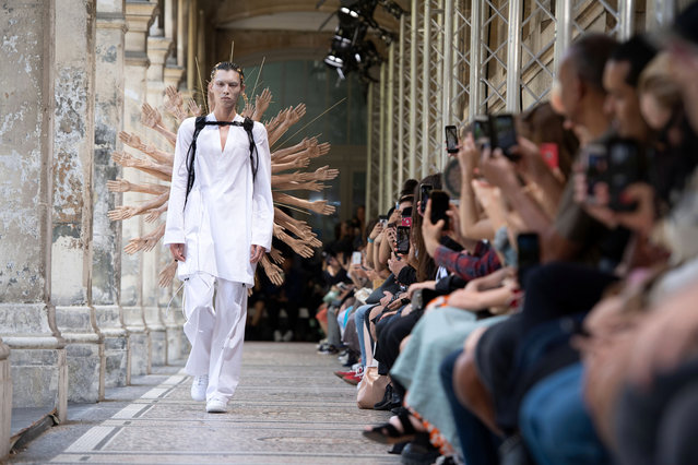 A model presents a creation from the Spring/Summer 2020 Men's collection by Japanese designer Masanori Morikawa for Christian Dada during the Paris Fashion Week, in Paris, France, 23 June 2019. The presentation of the Spring/Summer 2020 menswear collections runs from 18 to 23 June 2019. (Photo by Caroline Blumberg//EPA/EFE)