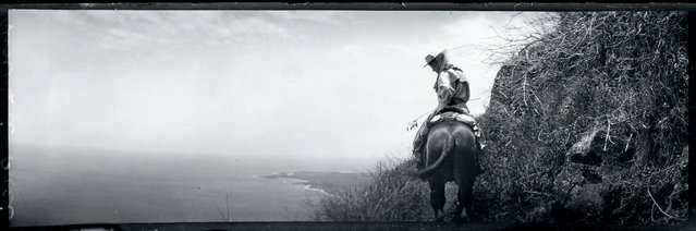 The pali (cliff) trail on the island of Molokai, Hawaii, 1907. (Photo by Jack London/Courtesy of Contrasto)