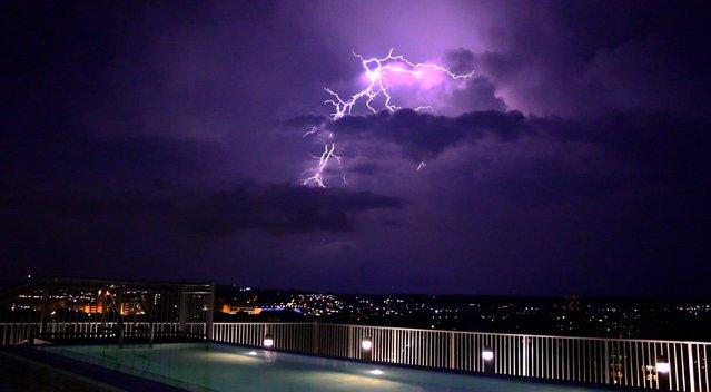 Sama Dizayee from VOA Kurdish Service took this picture during the lightening from her building's rooftop on SW Waterfront in D.C., July 25, 2016. (Photo by Courtesy Image)