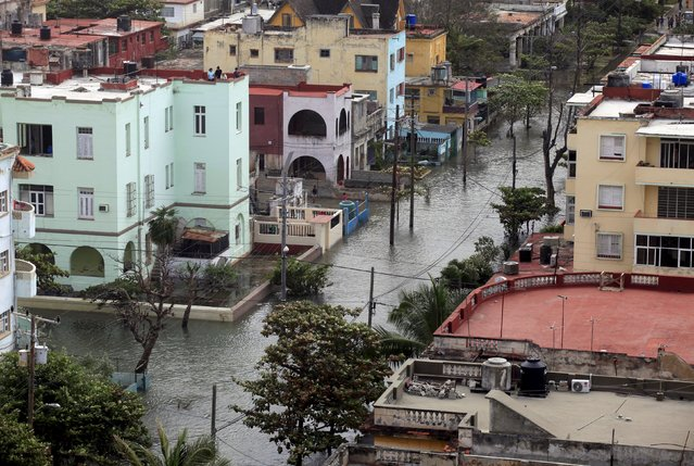 Flooded streets are seen in Havana January 23, 2016. (Photo by Enrique de la Osa/Reuters)