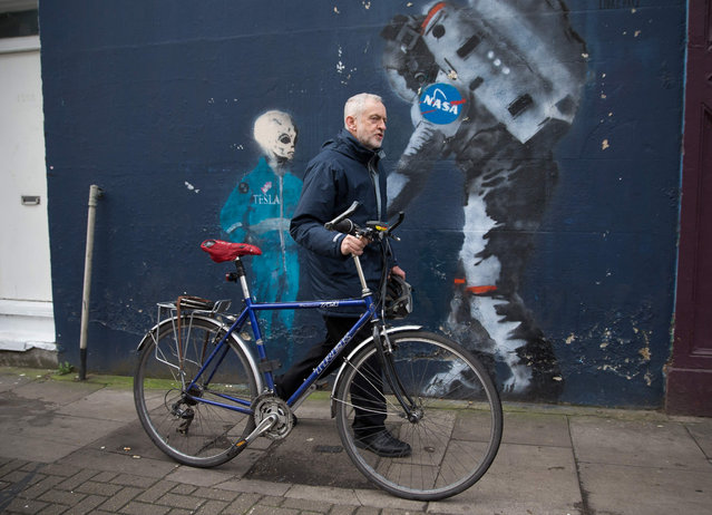 British opposition Labour Party leader Jeremy Corbyn leaves his home in north London on February 23, 2017. Britain' s ailing Labour party was battling today to avoid defeat in two parliamentary by- elections, fighting off UKIP in one Brexit bastion and fearing a historic loss to the governing Conservatives in the other. (Photo by Daniel Leal-Olivas/AFP Photo)