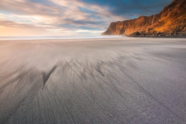 Talisker Bay, Scotland. (Photo by Alessio Putzu/Caters News Agency)