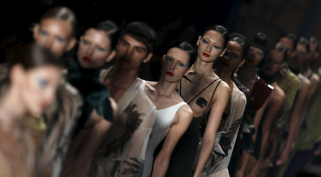 Models present creations from the Adriana Degreas collection during Sao Paulo Fashion Week in Sao Paulo, Brazil, April 26, 2016. (Photo by Paulo Whitaker/Reuters)
