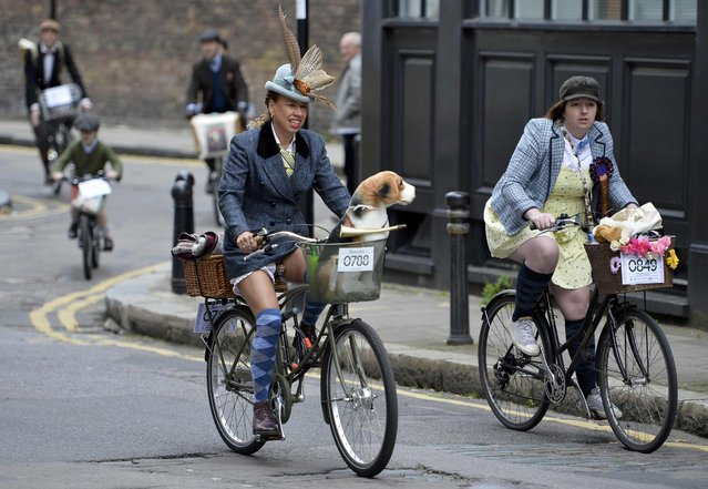 Participants set off at the start of the The Tweed Run in central London, Britain, May 14, 2016. (Photo by Hannah McKay/Reuters)
