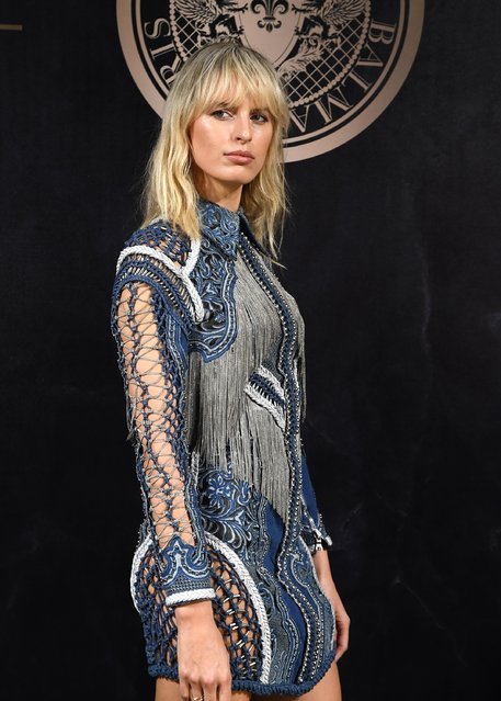 Karolina Kurkova attends the L'Oreal Paris X Balmain event as part of the Paris Fashion Week Womenswear  Spring/Summer 2018 on September 28, 2017 in Paris, France. (Photo by Pascal Le Segretain/Getty Images)
