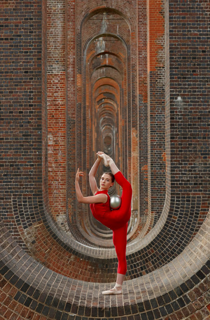 Former Team GB Rhythmic Gymnastic star and dancer Hannah Martin during a training session at Ouse Valley Viaduct, following the outbreak of the coronavirus disease (COVID-19), Sussex, Britain, June 29, 2020. (Photo by Matthew Childs/Reuters)