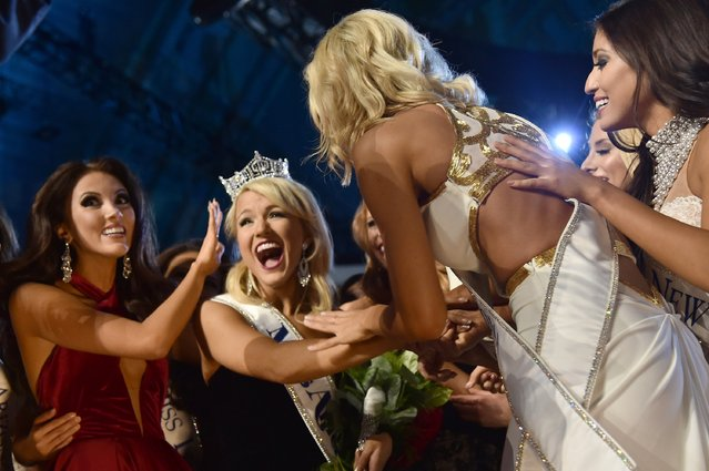 Miss America 2017 Savvy Shields (C) and Miss America 2017 contestants appear onstage during the 2017 Miss America Competition at Boardwalk Hall Arena on September 11, 2016 in Atlantic City, New Jersey. (Photo by Michael Loccisano/Getty Images for dcp)