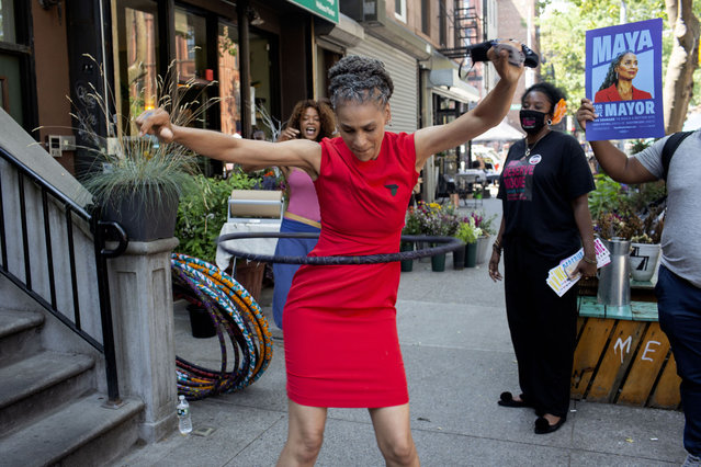 New York City mayoral candidate Maya Wiley hula hoops while campaigning on June 20, 2021 in the Bedford Stuyvesant neighborhood of Brooklyn, New York. The primary election for New York City mayor will be held on June 22, 2021. (Photo by Andrew Lichtenstein/Corbis via Getty Images)