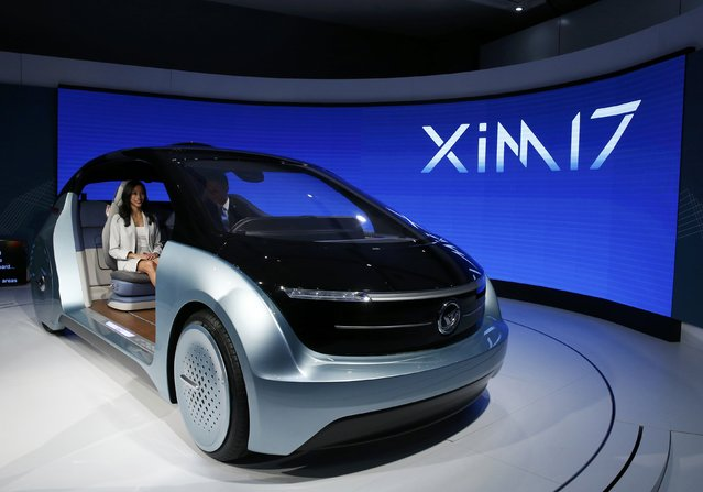 Yanfeng Automotive Interiors unveils its XIM 17 vehicle interior concept during the North American International Auto Show in Detroit, Michigan, U.S., January 10, 2017. (Photo by Brendan McDermid/Reuters)