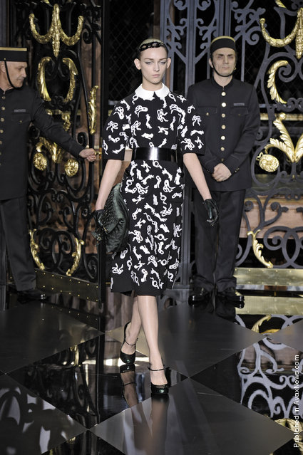 Louis Vuitton - Winter 2011 - Paris Fashion Week