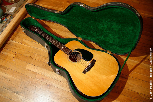 A Martin acoustic guitar used by Bob Dylan